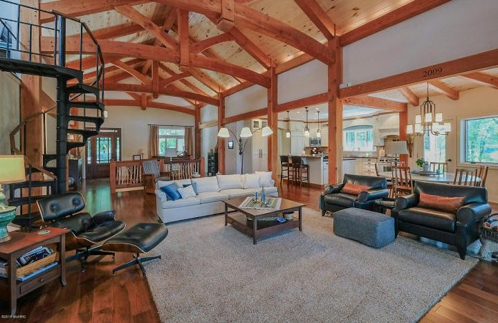 country real estate in Marshall Michigan schools