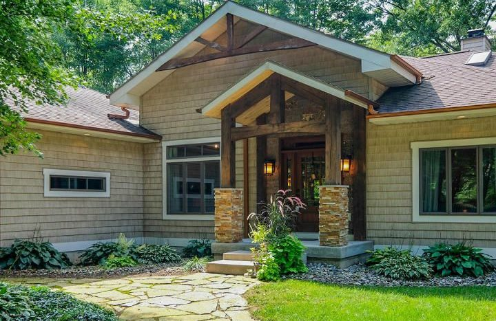 country home in Marshall MI with lake frontage
