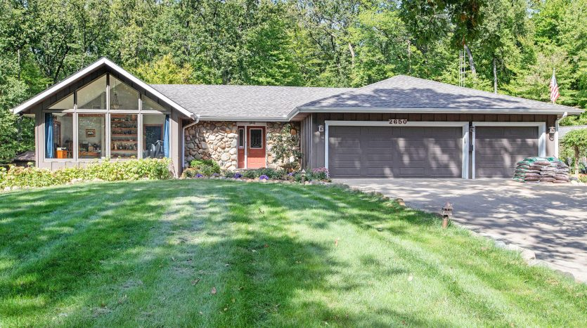 equestrian property close to Battle Creek